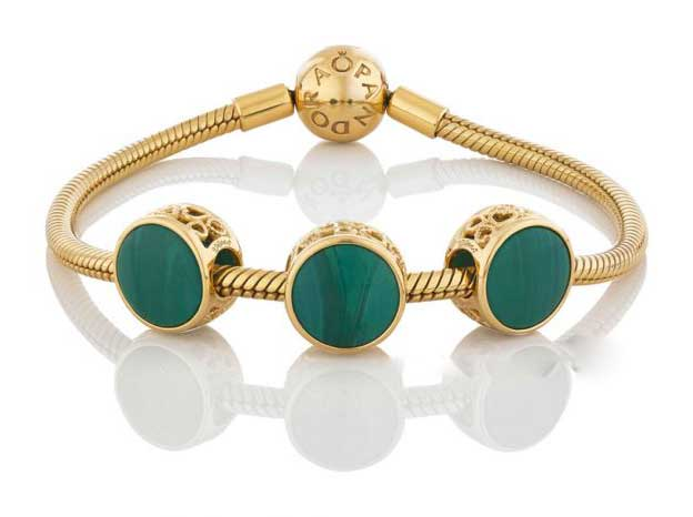 768152GMU-Pandora-Beautifully-Different-Murano-Charm-Bracelet.jpg