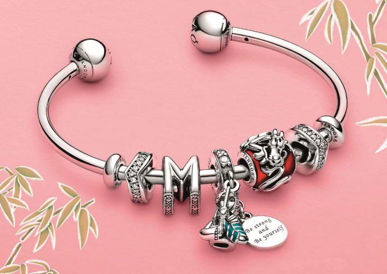 Disney-Mulan-and-Mulan-Mushu-with-Bracelet-768x543.jpg
